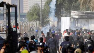 Irakta göstericiler Kadisiye Valilik binasına girdi