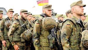 Alman ordusunda 'aşırı sağ' alarmı