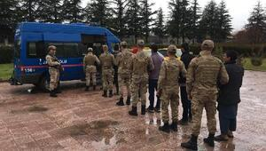 Elazığda 8 kaçak göçmen yakalandı