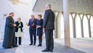 Steinmeier, Penzberg Camisi'ni ziyaret etti