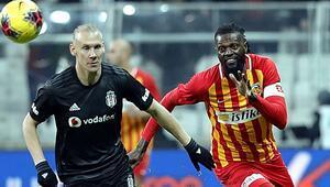 Son dakika: Emmanuel Adebayor Kayserispordan ayrıldığını açıkladı