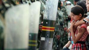 Çinden yeni Uygur planı: ABDli diplomatlara vize kısıtlaması