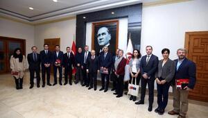Vali Çakacak, insani yardım kuruluşlarının temsilcilerini kabul etti