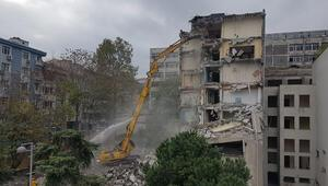 İstanbul Üniversitesi Tıp Fakültesi Diş Hekimliği binasında yıkım çalışmaları başladı