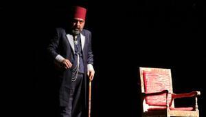 Usta Nevşehirde tiyatro seyircisiyle buluştu