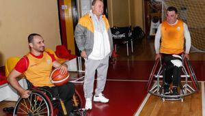Fatih Terimden Galatasaray Tekerlekli Sandalye Basketbol Takımına ziyaret