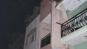 Çatı katındaki depoda çıkan yangın panik yarattı