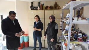 Başkan Öz, Belediye El Sanatları Atölyesini ziyaret etti