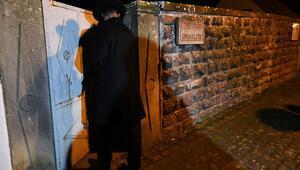 Yüzlerce yahudi mezarlığına çirkin saldırı