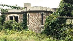 Hacizli manastıra anıt kalkanı