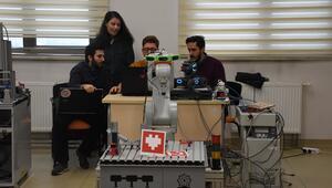 Üniversiteliler eğitim robotuyla öğrencilere 'kodlama' öğretecek
