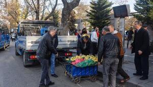 Ankarada zabıtadan seyyar satıcı denetimi