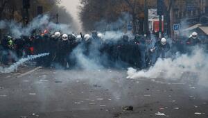 AB, Fransız polisinin şiddetini kınamaktan kaçındı