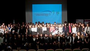 Edinburgh Dükü Uluslararası Ödül Programını tamamlayanlar ödüllerini aldı