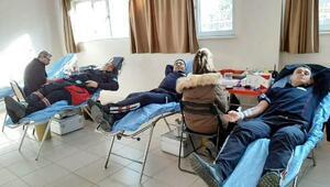 İtfaiyecilerden Kızılaya kan bağışı