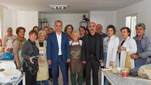 Başkan Uysaldan sanat atölyesine ziyaret