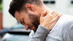 Boyun ağrısına ne iyi gelir Boyun ağrısı nasıl geçer ve nedenleri