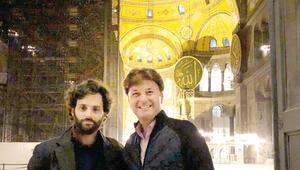 Ünlü oyuncu Penn Badgley İstanbulda