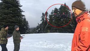 Son dakika... Uludağda kayıp dağcılardan ilk iz Efe Sarpa ait mont ve bere bulundu