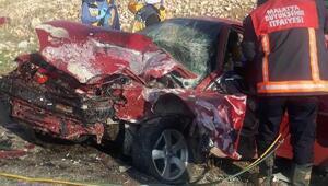 Malatyada iki otomobil çarpıştı: 3 yaralı