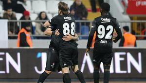 Caner Erkin ve Gökhan Gönül = 11 gol