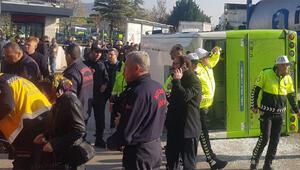 Son dakika... İzmitte tanker ile halk otobüsü çarpıştı: 25 yaralı