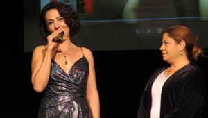 İzmir Tiyatro Festivalinde Meltem Cumbul'a ödül