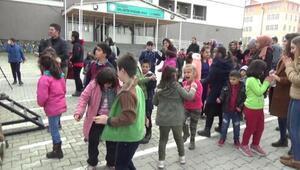 Lise öğrencilerinden özel öğrenciler için müzik dinletisi