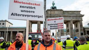 Bu kez de müteahhitler Brandenburg Kapısı'nda