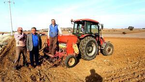 Yenişehirde yağmurların ardından buğday ekimine başlandı