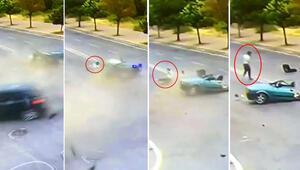 Antalyadan inanılmaz olay Araç ikiye bölündü, yürüyüp gitti...