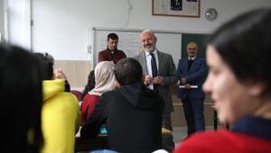 Başkan Çolakbayrakdar, öğrencilerle buluştu