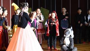 Altındağlı çocuklardan, işitme engelli arkadaşları için işaret diliyle gösteri