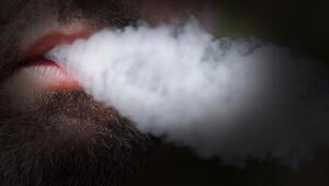 Almanya'da sokakta sigara reklamına yasak geliyor
