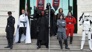 Star Wars Hayranları Kostümlerini Giyip Akasya'da Buluşacak