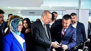Cumhurbaşkanı Erdoğan, Altındağlı kadınların standını ziyaret etti