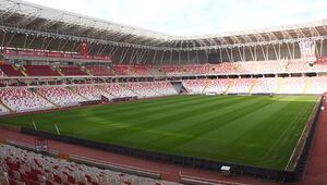 4 Eylül Stadı, Fenerbahçe maçına hazırlanıyor Maç günü yağış yok...