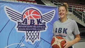 BB Adana Basketboldan pota altına takviye Gizem Sezer...