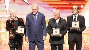 Törende Nobel tepkisi: Kimse ses çıkarmadı