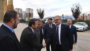 Vali Karaloğlu, Şehzade Korkut Sempozyumuna katıldı