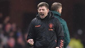 Steven Gerrard, Rangers ile sözleşme yeniledi 2024e kadar...