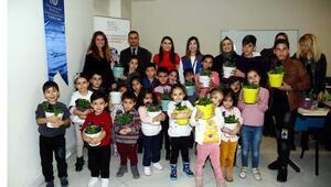 Göçle gelen çocuklara bitki dikimiyle rehabilitasyon