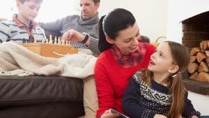 Kışın evde çocuklarla oynayabileceğiniz 7 oyun