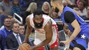 Rockets, Hardenın 54 sayı attığı maçta Magici yendi
