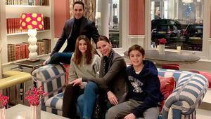 Demet Şener ve ailesinden Londrada mutluluk pozu