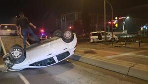 Üniversite öğrencileri, şüphelileri kovalayan polis aracına çarptı: 2 yaralı
