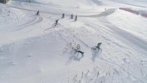 Erzurum palandökende kar üstünde bisiklet keyfi