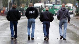 Almanyada 12 binden fazla şiddet yanlısı aşırı sağcı bulunuyor