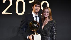 Joao Felix ödülü kazandı, kız arkadaşı böyle kutladı