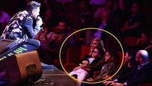 Emre Altuğdan 20. yıl konseri Çağlanın gözlerine bakarak söyledi...